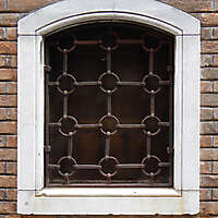 old window from venice 19