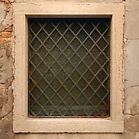 old window from venice 30