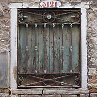 old window from venice 34