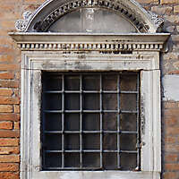 old window from venice 35