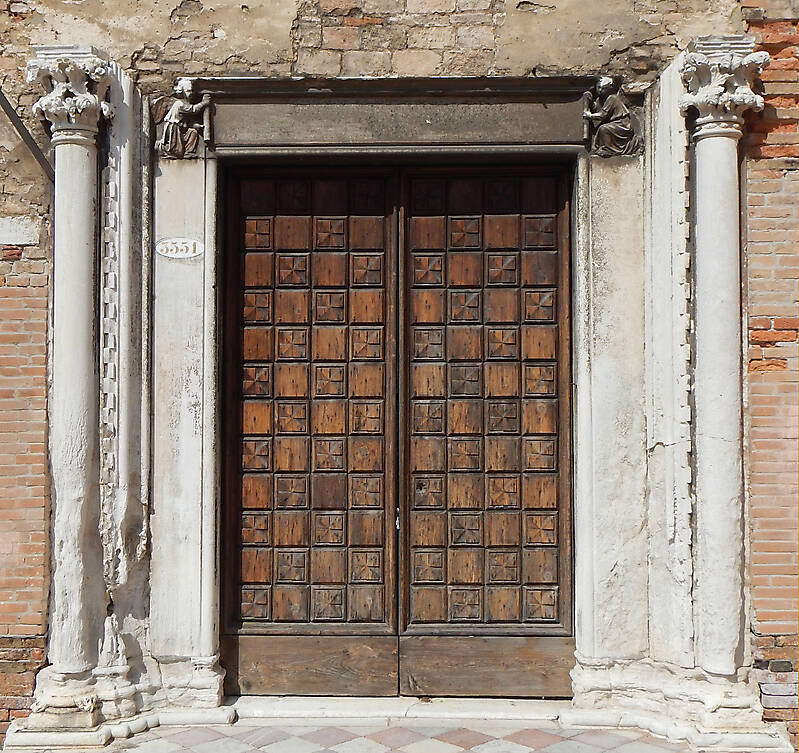 ornate wood door from venice 10 & Texture - ornate wood door from venice 10 - Medieval Doors ...