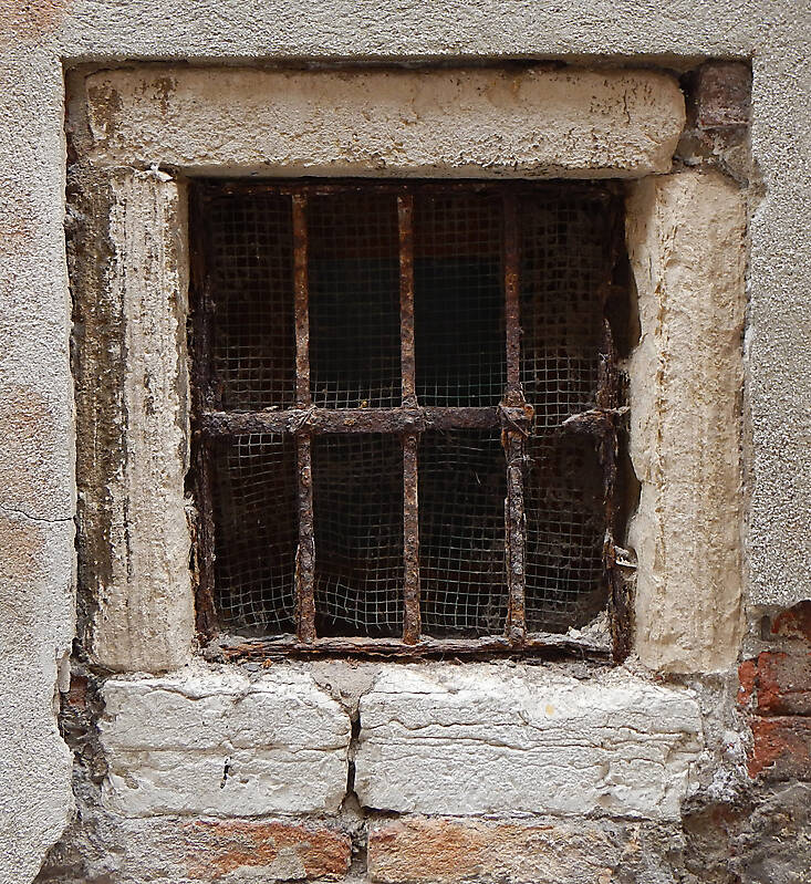 Texture Old Window From Venice 7 Windows Lugher