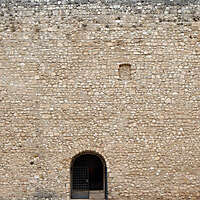 stone bricks wall with door 4