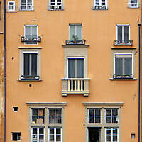 old florence building brown 21