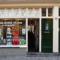 old style shop europe 13