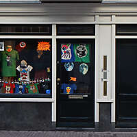 old style shop europe 6