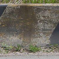 concrete block yellow 2