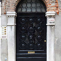 ornate wood door from venice 7