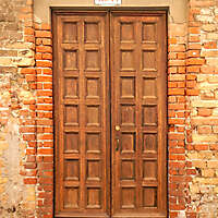 ornate wood door from venice 8