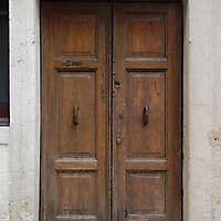 wooden door from venice 17