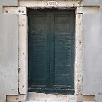 wooden door from venice 26