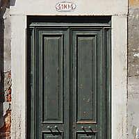 wooden door from venice 28