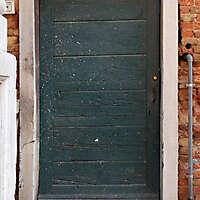 wooden door from venice 29
