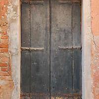 wooden door from venice 35