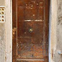 wooden door from venice 40
