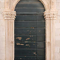wooden door from venice 1