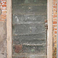 wooden door from venice 37