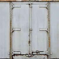 metal panel rusty