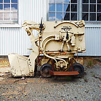 vintage rocker shovel loader wagon 2