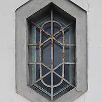 exagonal window