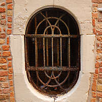 old window from venice 39