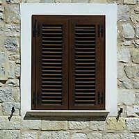 window with veneziane