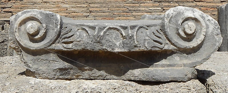 greek stone pillar capital 1