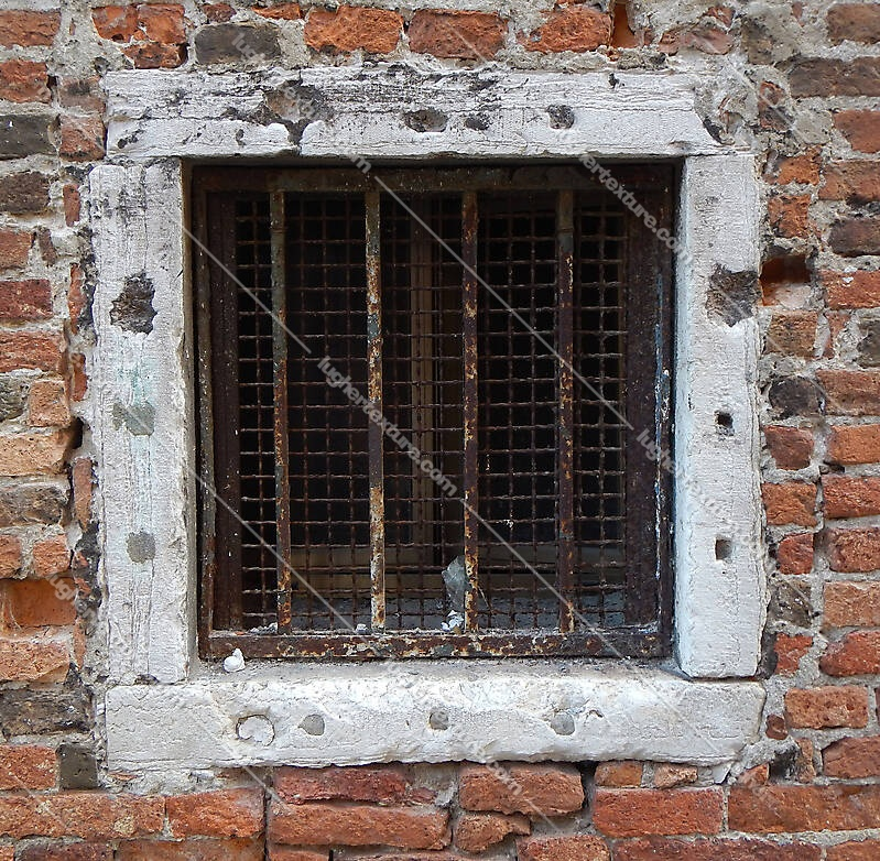 old window from venice 31