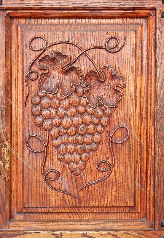 grapes decorations on wood 1