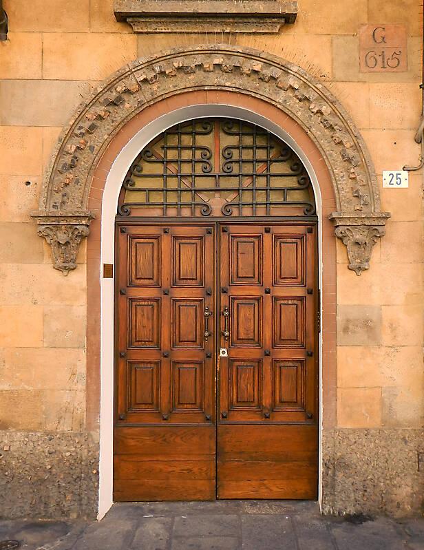 Texture Old Clean Decorated Wood Door 1 Medieval Doors